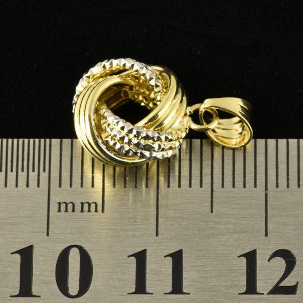 | Colgante de oro 18K en forma de rosa