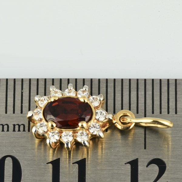 | Colgante de oro 14K Dimensiones: 14 x 8.5 x 4.5 mm