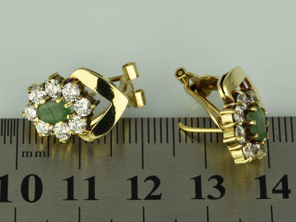 | Pendientes de oro 18K con esmeraldas y circonias cúbicas