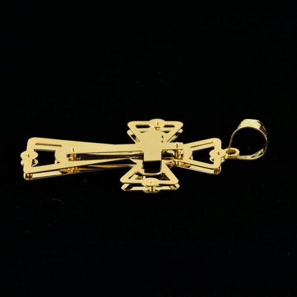 | Cruz de oro 18K Dimensiones: 42 x 26 x 2.5 mm